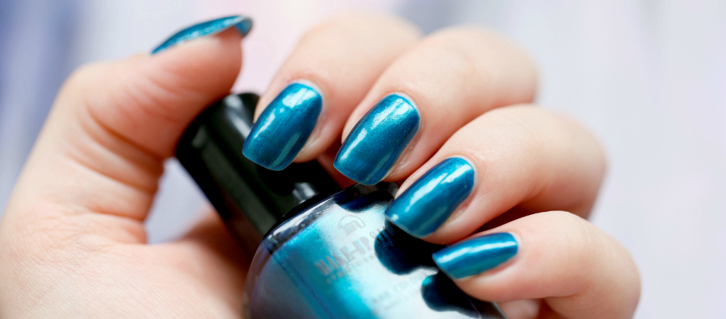 Make-Up Studio, nagellak, Blue Lagoon, blauwe nagellak, metallic nagellak, Make-up Studio Club Tropicana, lange nagels, beautyblog