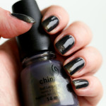 Gradient nails met CHANEL Orage en China Glaze Choo-Choo Choose You