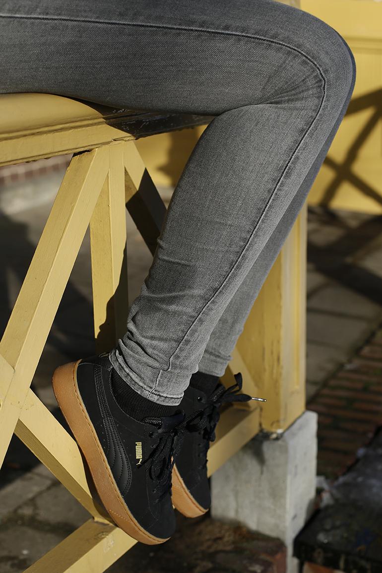 zwarte puma sneakers, vanharen, creepers, platform, dikke zool, grijze jeans, sonbeek arnhem, fashionblogger, river island, embroidered jacket, statement ketting, hoedje, sacha, weekday, taza necklace, sneeuw, schoenen sneeuw, winter, & other stories, catina arnhem, sara mevrouw miauw