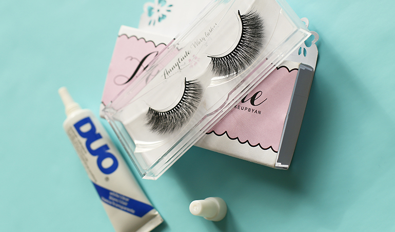 annytude wary lashes, annytude lashes, duo wimperlijm, fashionblogger, fashion is a party, beautyblogger, eyelashes, faux mink lashes, silk lashes, annytude lashes review, kunstwimpers, nepwimpers