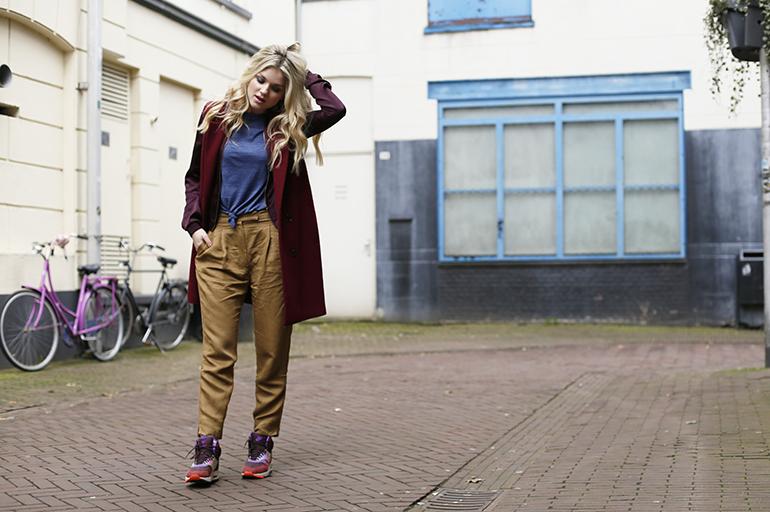 nike air max 1 sneakerboots, nike air max, nike air max 90, thesneaker.nl, fashionblogger, fashion is a party, jas zonder mouwen, arnhem, sara naus, blond haar, laagjes dragen