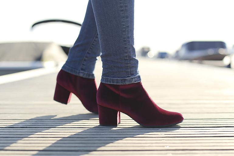 velvet boots, skinny jeans, velvet enkellaarzen, velvet schoenen, velvet trend, velvet fashion trend, zijden blouse, & other stories, statement ketting, juli dans jewels, zara, haven, herfst-/wintertrends 2017 2018, fashionblogger