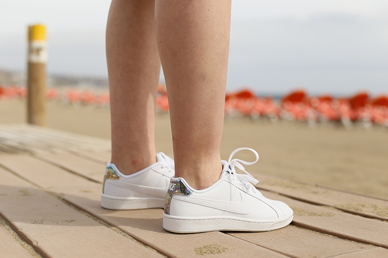 gran canaria, vanharen, nike sneakers, witte sneakers, midi-rok, zomeroutfit, strandoutfit, h&m trend, gele trui, gele rok, scuba rok, gran canaria strand, fashion is a party, fashion blogger, zonnebril, outfit voorjaar, outfit lente, outfit vakantie, gran canaria februari